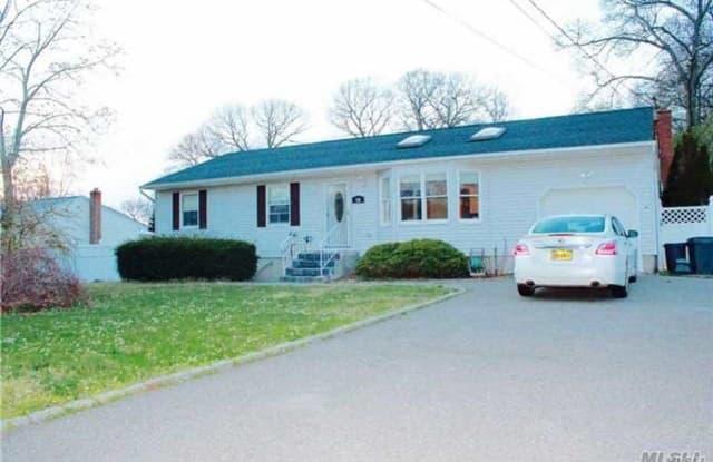 19 Tulip Ave - 19 Tulip Avenue, Farmingville, NY 11738