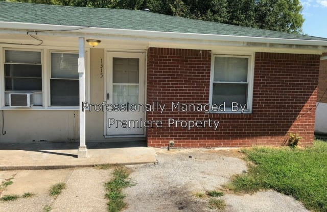 1315 S Franklin Ave - 1315 South Franklin Avenue, Independence, MO 64052
