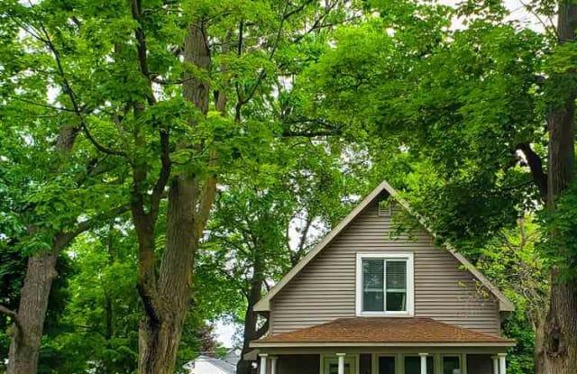 Fine 314 W Ninth Street Home Interior And Landscaping Ologienasavecom