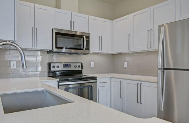 Heights At Bear Creek Apartments - 17771 NE 90th St, Redmond, WA 98052