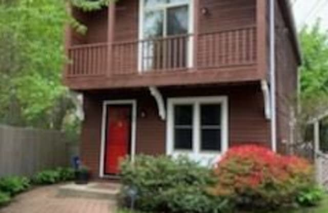 48 Thurston Avenue - 48 Thurston Avenue, Newport, RI 02840
