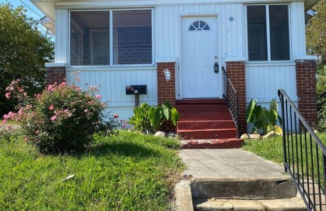 29 12 1/2 Street - 29 12 1/2 Street Southwest, Roanoke, VA 24016