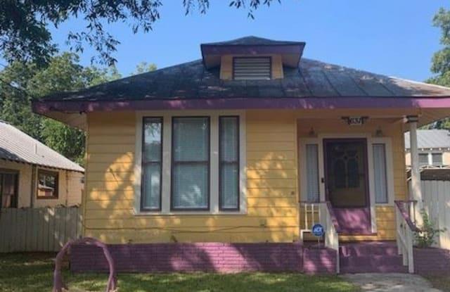 631 Cedar - 631 Cedar Street, San Antonio, TX 78210