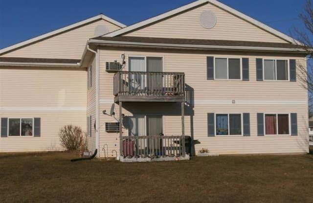 Pheasant Run Postville - 525 Lilac Ln, Postville, IA 52162
