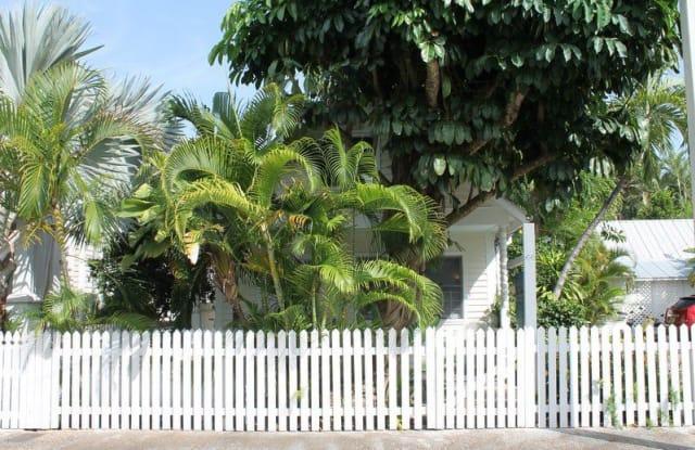 Ibis - 714 Olivia Street, Key West, FL 33040