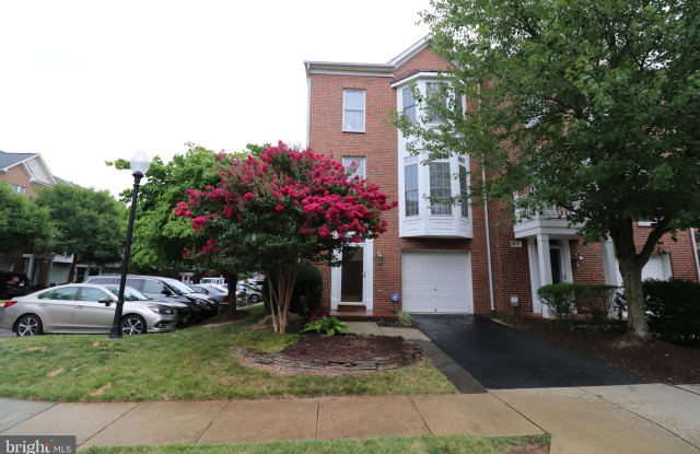4277 PARK GREEN COURT - 4277 Park Green Court, Fair Oaks, VA 22030