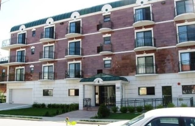 4 Chelsea Pl - 4 Chelsea Place, Great Neck Plaza, NY 11021