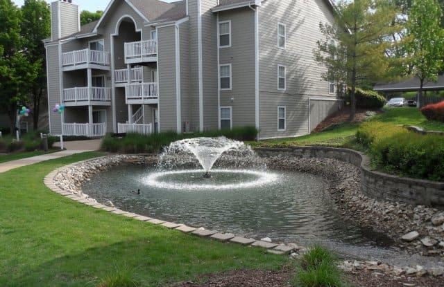 Bonhomme Village Apartments - 1124 Bonhomme Lake Dr, Olivette, MO 63132