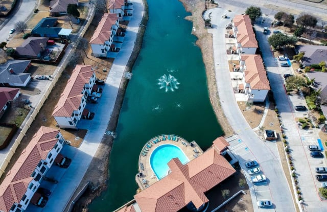 Carriage Homes on the Lake - 3232 N Garland Ave, Garland, TX 75040