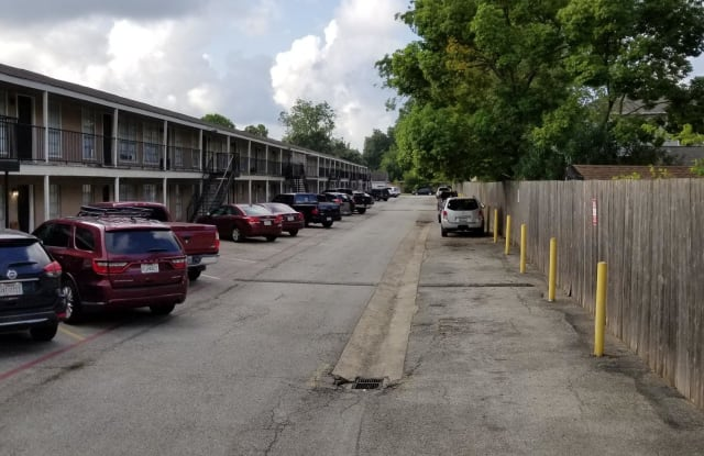 Pecan Villa - 4725 North Main Street, Houston, TX 77009