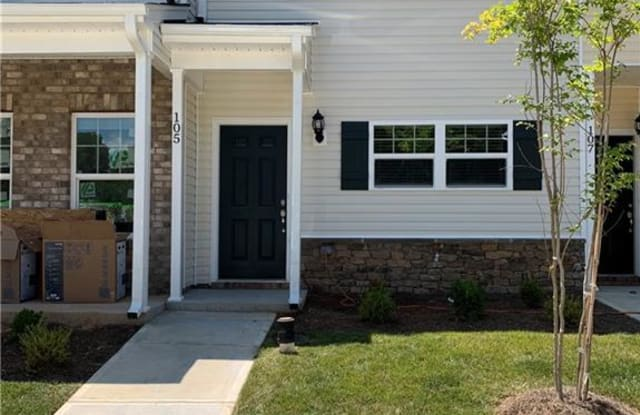 105 Sommerwall Place - 105 Sommerwall Pl, Greensboro, NC 27405