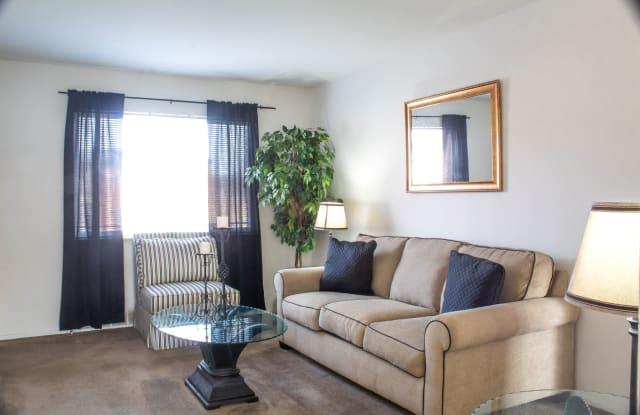 Nantucket Gardens Apartments - 27-B Joyce Ellen Ln, Ferguson, MO 63135