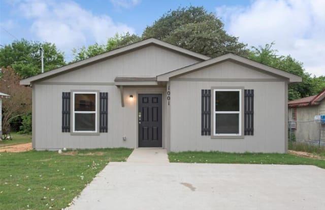1001 Crosby Street - 1001 Crosby Street, Roanoke, TX 76262