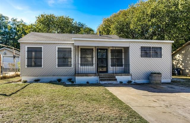 3120 S Wesleyan Drive - 3120 Wesleyan Drive South, Fort Worth, TX 76105