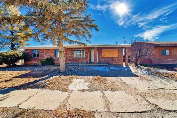 733 Truman Avenue - 733 Truman Avenue, Grants, NM 87020
