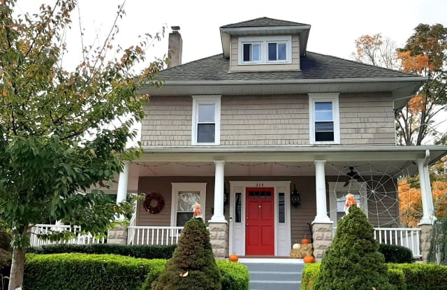 312 BARRINGTON AVENUE - 312 Barrington Avenue, Barrington, NJ 08007