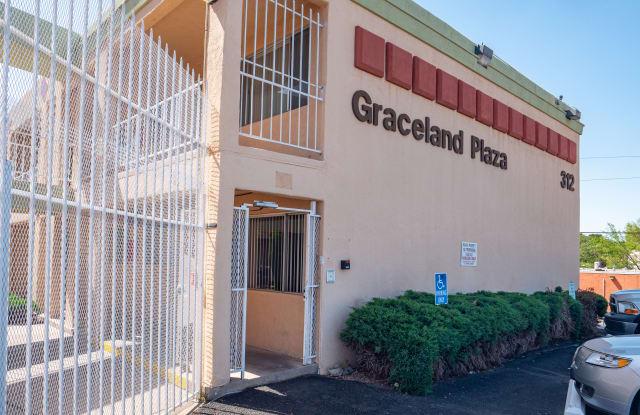 Graceland Plaza Apartments - 312 Graceland Drive Southeast, Albuquerque, NM 87108
