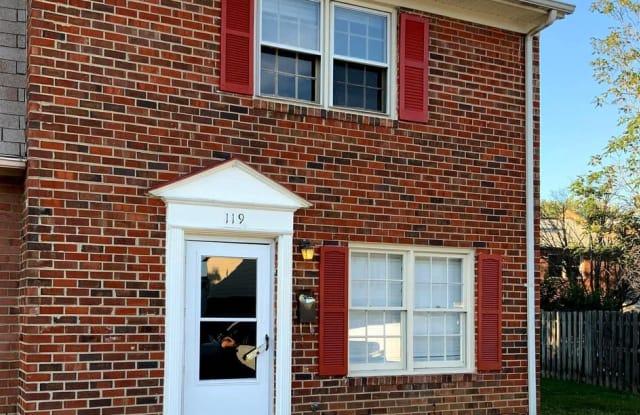 119 HICKOK CIR - 119 Hickock Circle, Fredericksburg, VA 22401