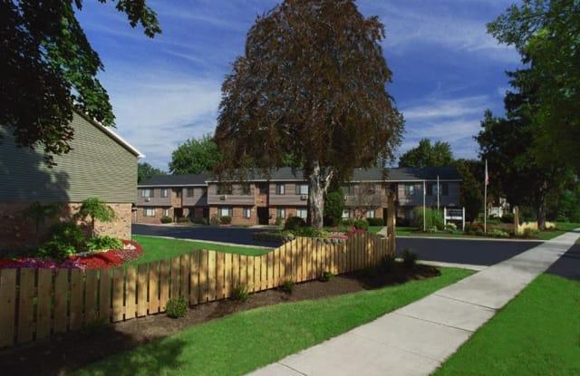 Lake Vista Apartments - 30 Lake Vista Ct, Rochester, NY 14612