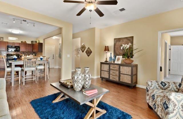 1607 Marsh Ln - 1607 Marsh Lane, Carrollton, TX 75006
