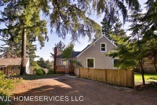 13504 3rd Ave NE - 13504 3rd Avenue Northeast, Seattle, WA 98125