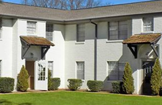 The Grove on Governor's - 3009 Vanderbilt Drive Southwest, Huntsville, AL 35801