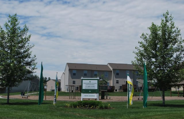 Greenbriar Estates Townhomes - 227 Dietz Estates Dr, York, PA 17404