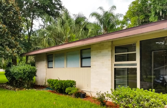2318 SE 7th Ave - 2318 Southeast 7th Avenue, Ocala, FL 34471
