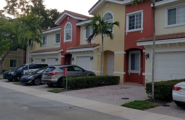 5363 Southwest 40th Avenue - 5363 Southwest 40th Avenue, Dania Beach, FL 33314