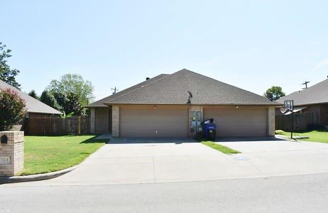 764 Stribling Circle - 764 Stribling Circle, Azle, TX 76020