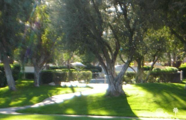 313 Villena Way - 313 Villena Way, Palm Desert, CA 92260