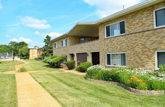 Eden Rock Apartments - 9472 Olive St. Apt B, Olivette, MO 63132