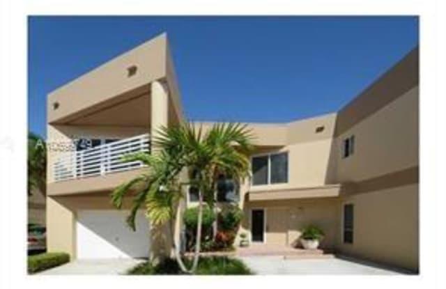 101 SE 15 AVE - 101 SE 15th Ave, Fort Lauderdale, FL 33301