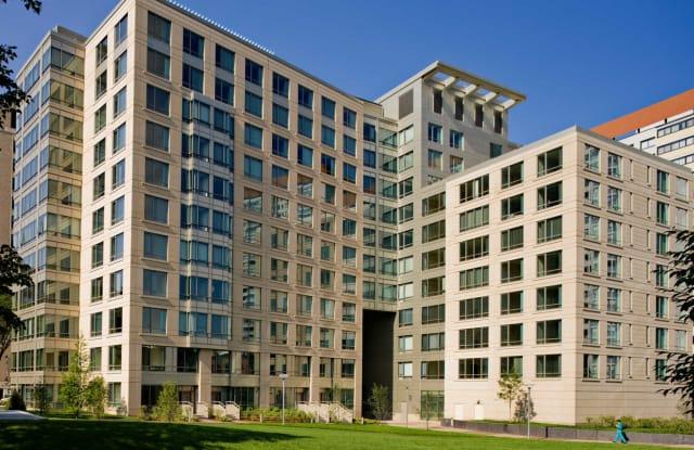 The West End Apartments-Asteria, Villas and Vesta - 4 Emerson Pl, Boston, MA 02114