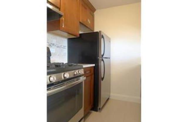 33 GREENWICH AVENUE - 33 Greenwich Avenue, New York, NY 10014