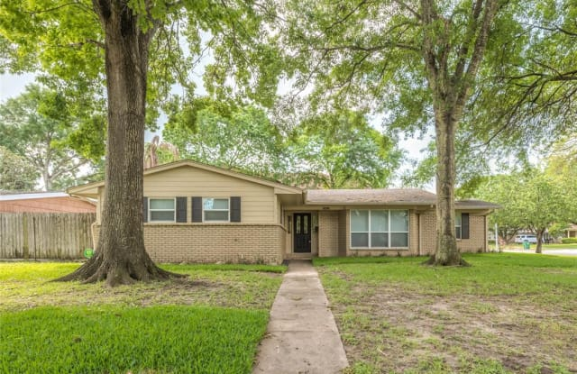 5159 Beechnut Street - 5159 Beechnut Street, Houston, TX 77096