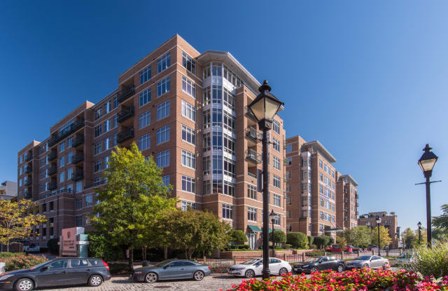 The Crescent at Fells Point - 951 Fell St, Baltimore, MD 21231