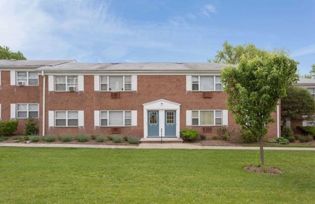 Lakeview Gardens - 200 Vail Rd, Parsippany-Troy Hills, NJ 07054