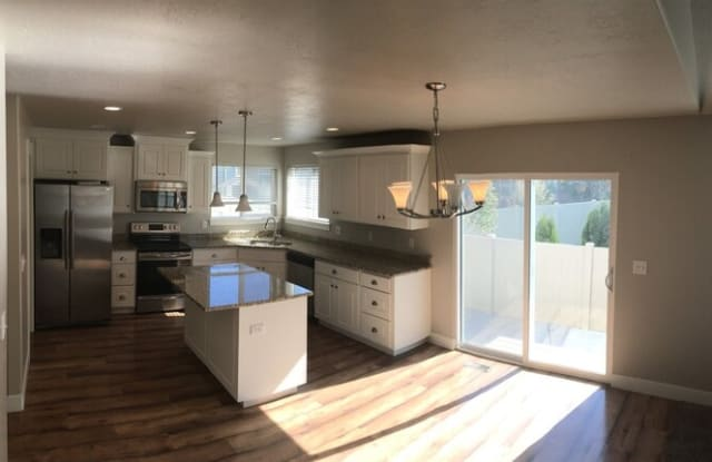 522 1200 South - 522 East 1200 South Street, Payson, UT 84651
