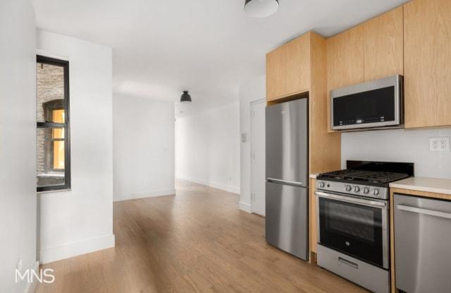 106 Eighth Avenue - 106 8th Ave, New York, NY 10011