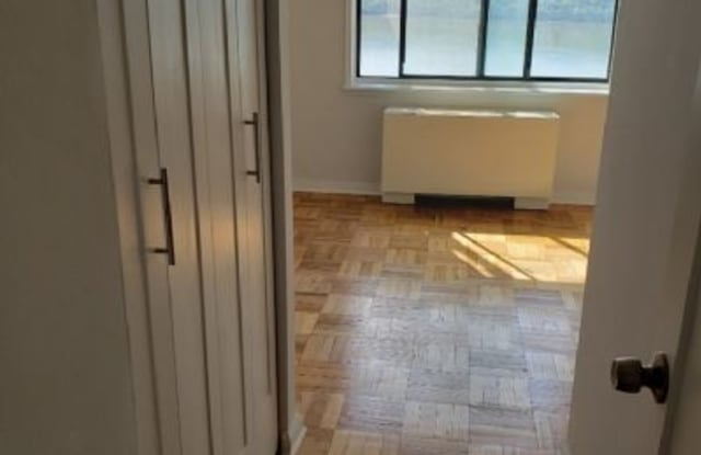 3671 Hudson Manor Ter - 3671 Hudson Manor Terrace, Bronx, NY 10463