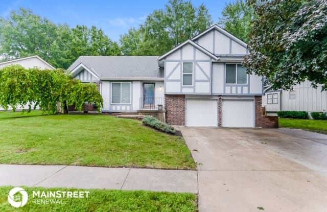 4917 South Kendall Drive - 4917 S Kendall Dr, Independence, MO 64055