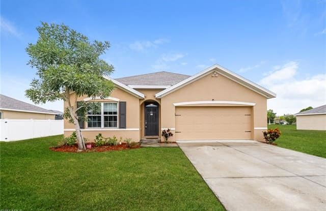 1712 SW 1st AVE - 1712 SW 1st Ave, Cape Coral, FL 33991