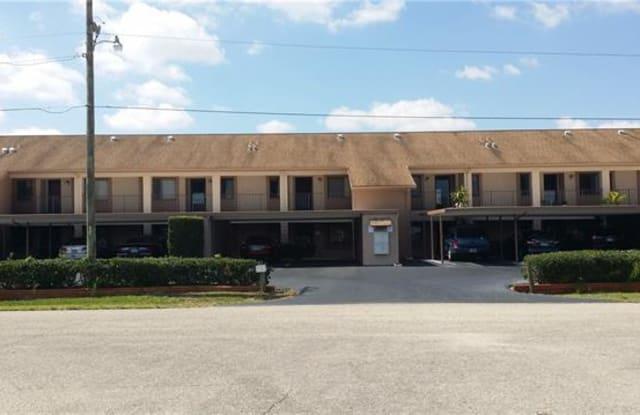 1011 SE 38th TER - 1011 Southeast 38th Terrace, Cape Coral, FL 33904
