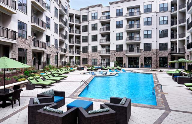 2700 Charlotte Ave Apartments - 2700 Charlotte Ave, Nashville, TN 37209