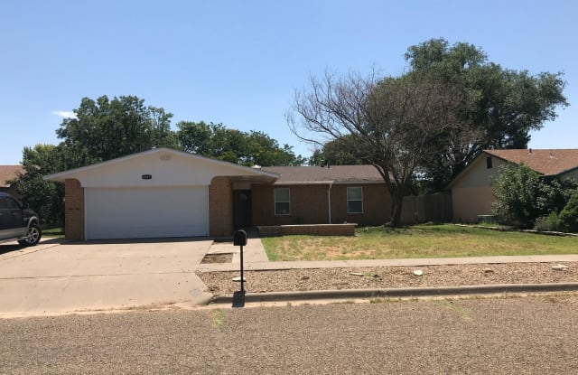 1817 Courtland - 1817 Courtland Cir, Clovis, NM 88101