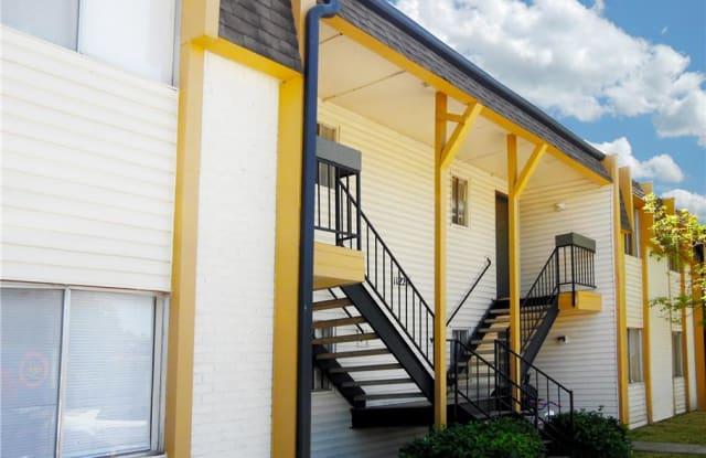 Wood Creek Apartments - 11107 E Brady St, Tulsa, OK 74116