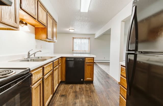 Chandler 1802 - 1802 South 20th Street, Grand Forks, ND 58201