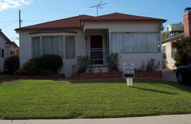 8017 Holy Cross Place ($150) - 8017 Holy Cross Place, Los Angeles, CA 90045