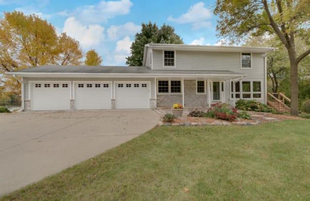 15731 Summit Drive - 15731 Summit Drive, Eden Prairie, MN 55347